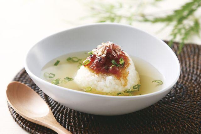 食べる梅ぽん酢を使用したお茶漬けの画像